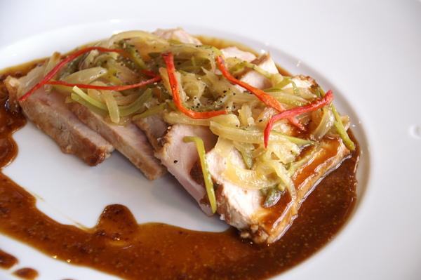 烤豬胸肉酸菜 1.JPG