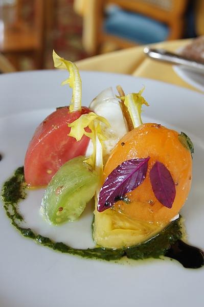 tomate-mozzarrella-coulis basilic 2.JPG