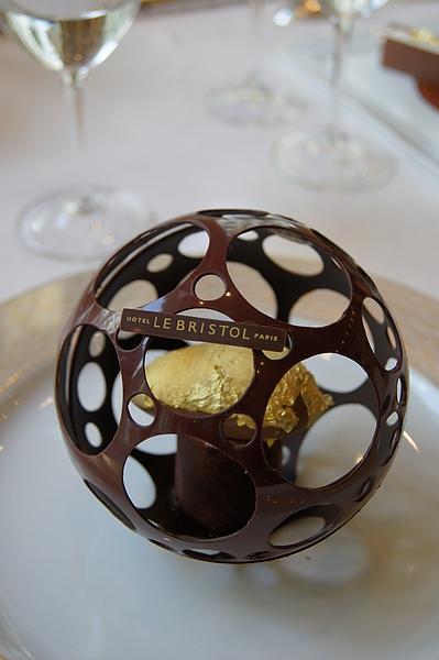 precieux chocolat nyangbo-cacao liquide-sorbet dore a or fin 1.JPG