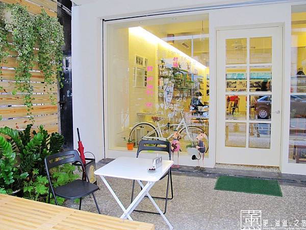 103.5.27 朵蕾咖啡館 007.jpg