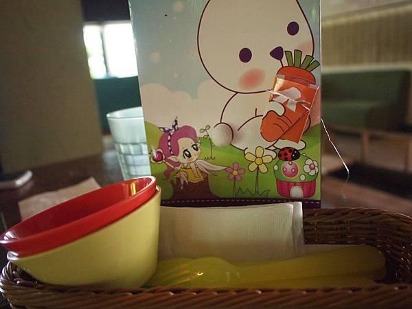 21.兒童餐具.JPG