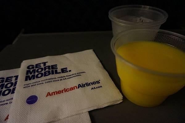 7.飛機上只有飲料.JPG