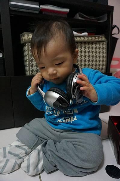 14.耳機.JPG