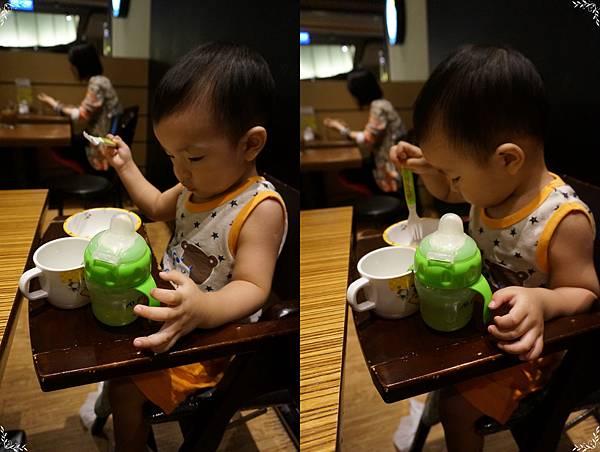 4.自己吃飯.jpg