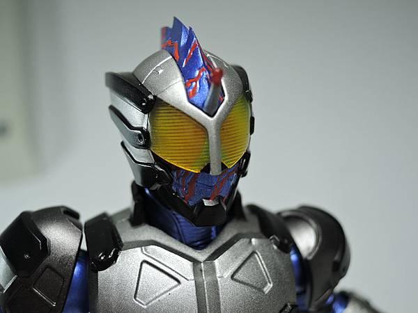 SHF 仮面ライダーアマゾンネオ%26;ニューオメガ (9).JPG