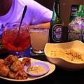愛玉冰調酒、海尼根、水果調酒、炸雞排、愛爾蘭薯條