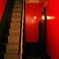 二樓往三樓樓梯,更小.JPG