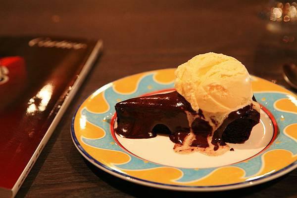 布朗尼冰淇淋.JPG