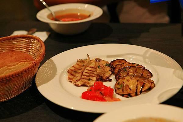 冷盤拼盤-茄子甜椒杏鮑菇.JPG