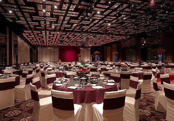 台南晶英酒店以優質氣派的場地,搭配實惠的價格,推出「猴YOUNG的晶英謝師饗宴」