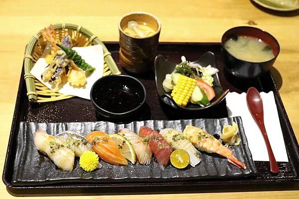綜合握壽司定食.jpg