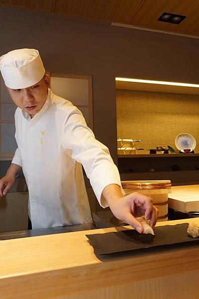 五星級日本料理店「甘旨堂」港籍料理長阿峯師 正統握壽司與懷石料理驚艷府城老饕