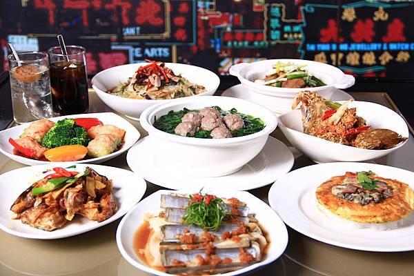 共十三道粵式美味、三道大佬私房菜、鹹檸飲料以及港式甜點,不用出國就能體驗香港傳統的在地美食與氛圍。