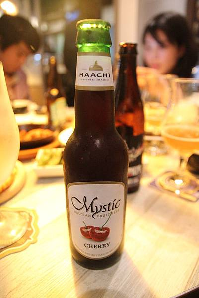 IMG_4126 櫻桃啤酒.JPG