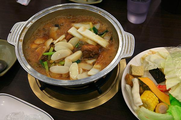餐,花雕雞,煮熟中.JPG