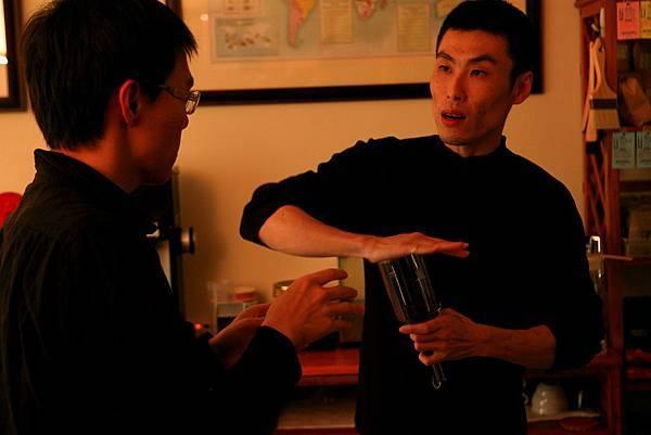 單品咖啡豆,磨完聞香.JPG