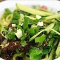 蔬菜刀切酢醬麵