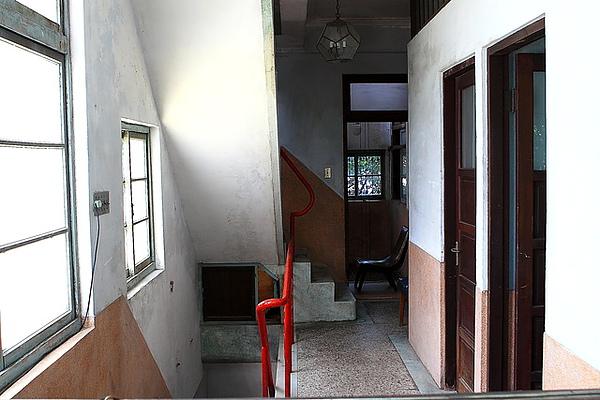 三樓樓梯間與房間