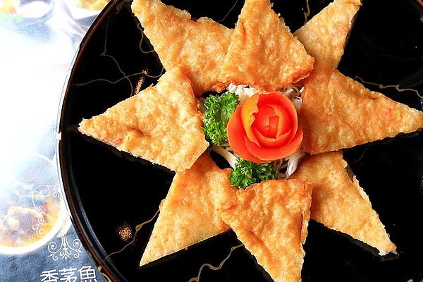 月亮蝦餅是香茅魚老闆在台北瓦城任職時發明