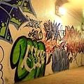 地下道的塗鴨1