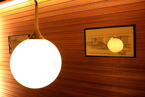 牆上有2001年建造時,請來coco繪製的外觀手稿.JPG