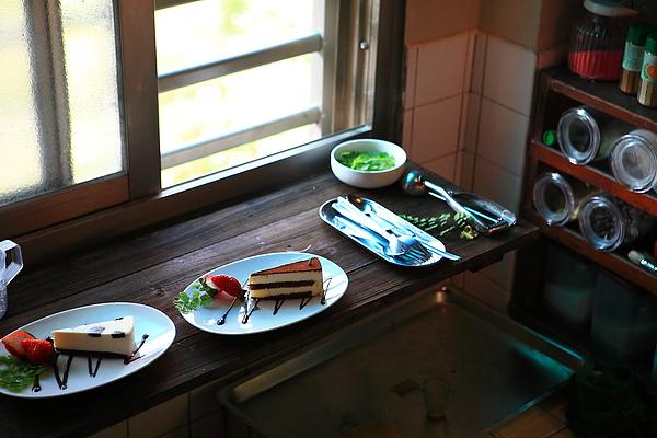 二樓,廚房內,蛋糕.JPG
