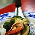 酸辣海鮮湯裡豐富的配料