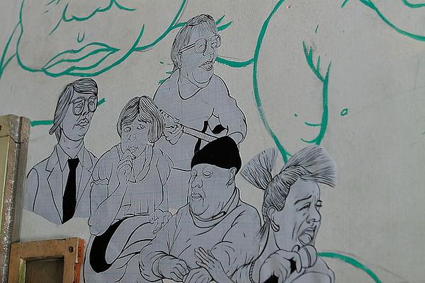二樓牆上的裝飾畫
