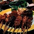 沙嗲綜合盤,有雞豬牛及烤時蔬$350