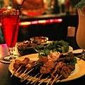 沙嗲綜合盤、烤青椒、新加坡司令、夏日風情