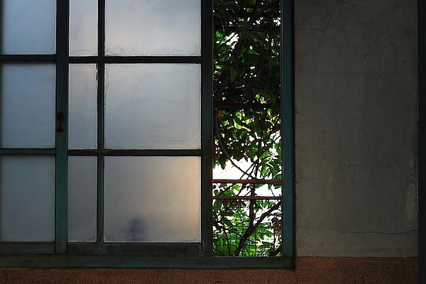 窗外,其實如果晚上來很恐怖吧