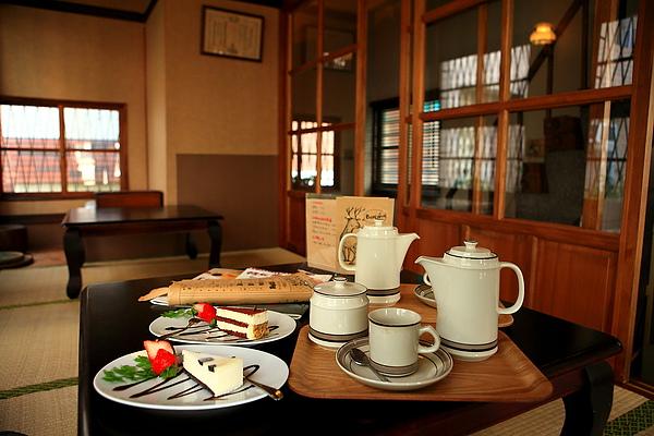 餐-鍚蘭奶茶與蛋糕,享受下午茶吧.JPG