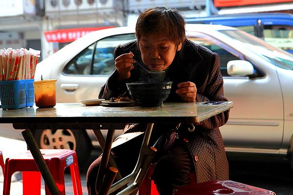 台南人的魚湯早餐.JPG