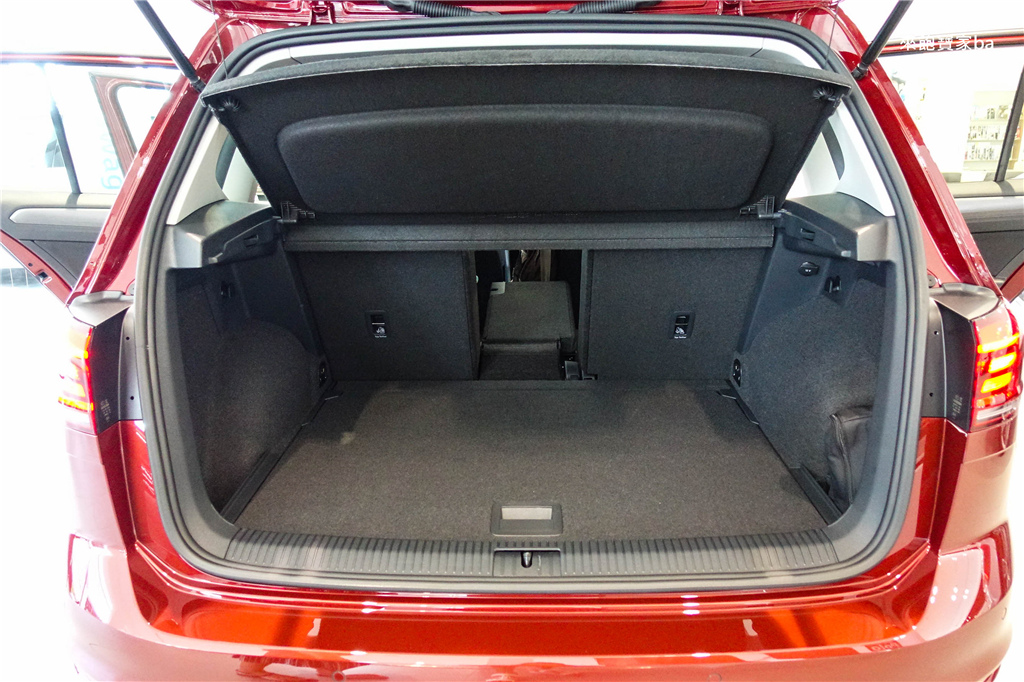 Golf Sportsvan (3).jpg
