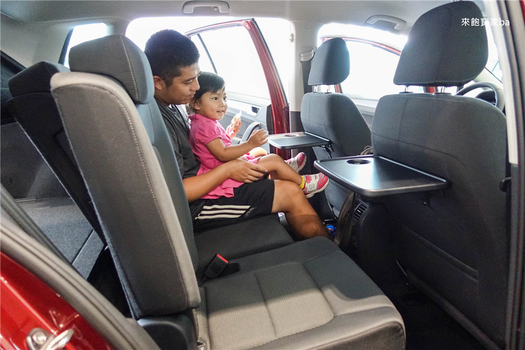 Golf Sportsvan (2).jpg
