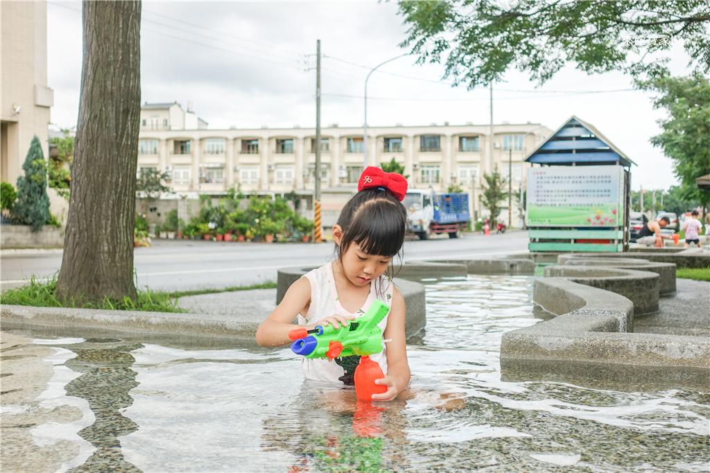 雲林玩水雲林西螺大橋親子公園戲水區 (17).jpg