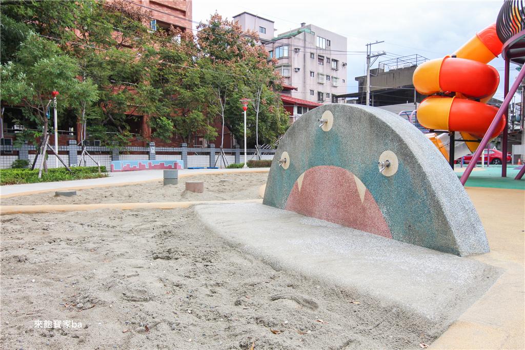新北親子景點東昇公園 (3).jpg