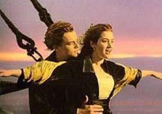 028_《ID4星際終結者》與《鐵達尼號》都是影視上著名的災難電影,片中也都安排了宗教安撫人心的情節,顯示宗教活動在災難事件中往往可發揮安頓身心的強大力量。