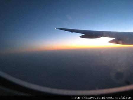 IMG_0679往紐西蘭機上迎曦.jpg