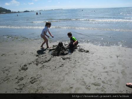 IMG_0749 Sumner Beach-Emmaline & Devan.jpg