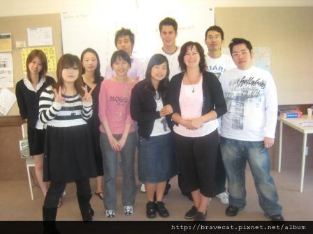 IMG_1385 CCEL-因為Ji Won要畢業,大家合影留念Yui & Mio & Jessie & Me & Gunha & Ji Won & Sandro & Donna & Tem & Ooh.jpg