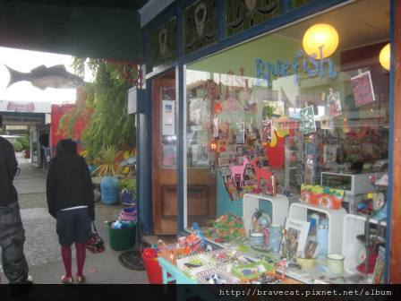 IMG_1217 Sumner Beach-可愛的店.jpg