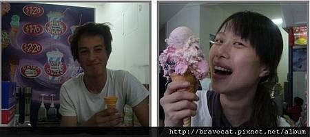 Lyttelton-超大冰淇淋,快跟臉一樣大了(NZD1.2) (2).jpg