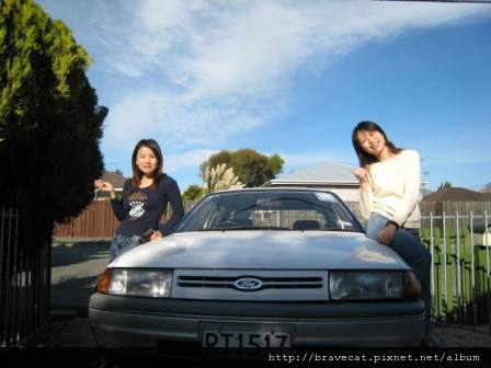 IMG_0747 出發囉!!因為我們的車是白色的,所以幫它取了名字叫'伊莉莎白'.JPG