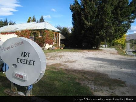 IMG_1009 往Arrowtown的路上,意外的發現私人美術館.JPG