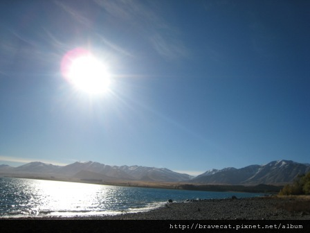 IMG_1338 Lake Tekapo-皚皚白雪的庫克山.JPG