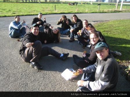IMG_2989 Packhouse-外國人喜歡在外面曬太陽.JPG