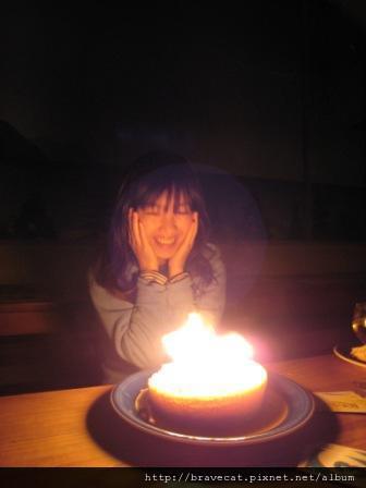 IMG_2251 Bakers Lodge-Happy Birthday~Selina,總覺得大家一起過生日是一件很快樂的事,雖然Selina叫我不要跟別人說她的生日,不過我們決定給她一個驚喜.JPG