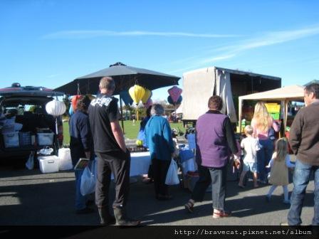 IMG_2277 Motueka - Sunday Market,有人在賣燈籠耶.JPG