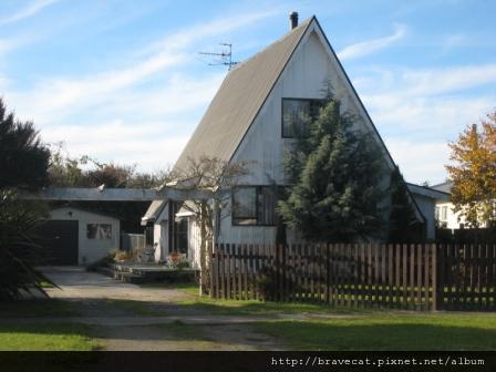 IMG_1928 Motueka - 可愛的房子(Tudor St).JPG